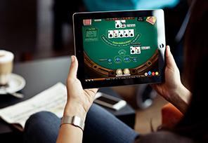 Online-Poker-&-Its-Popularity